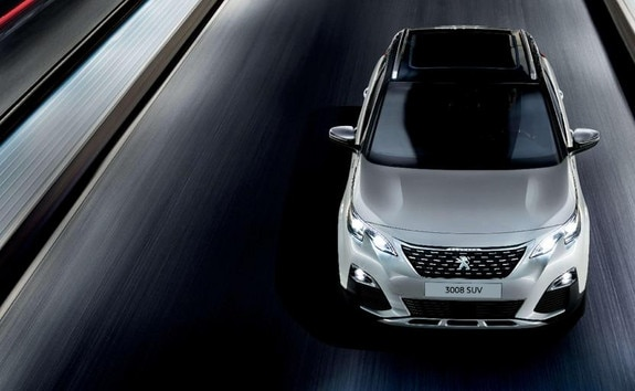 /image/55/7/peugeot-3008-suv-hybrid4-driving-on-the-road.642557.jpg